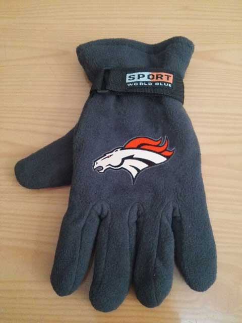 Denver Broncos NFL Adult Winter Warm Gloves Dark Gray