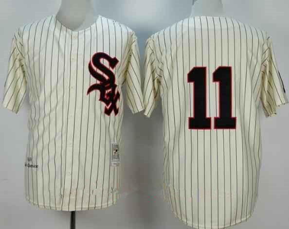 Men's Chicago White Sox #11 Luis Aparicio 1959 Cream Mitchell & Ness Throwback Jersey