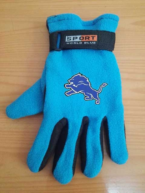 Detroit Lions NFL Adult Winter Warm Gloves Light Blue