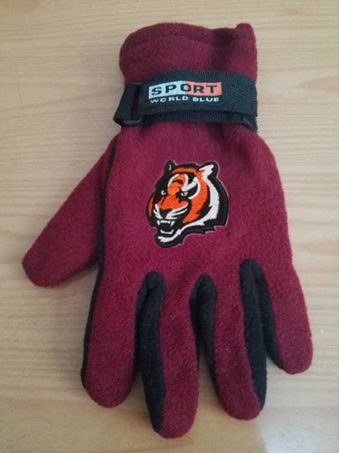 Cincinnati Bengals NFL Adult Winter Warm Gloves Burgundy